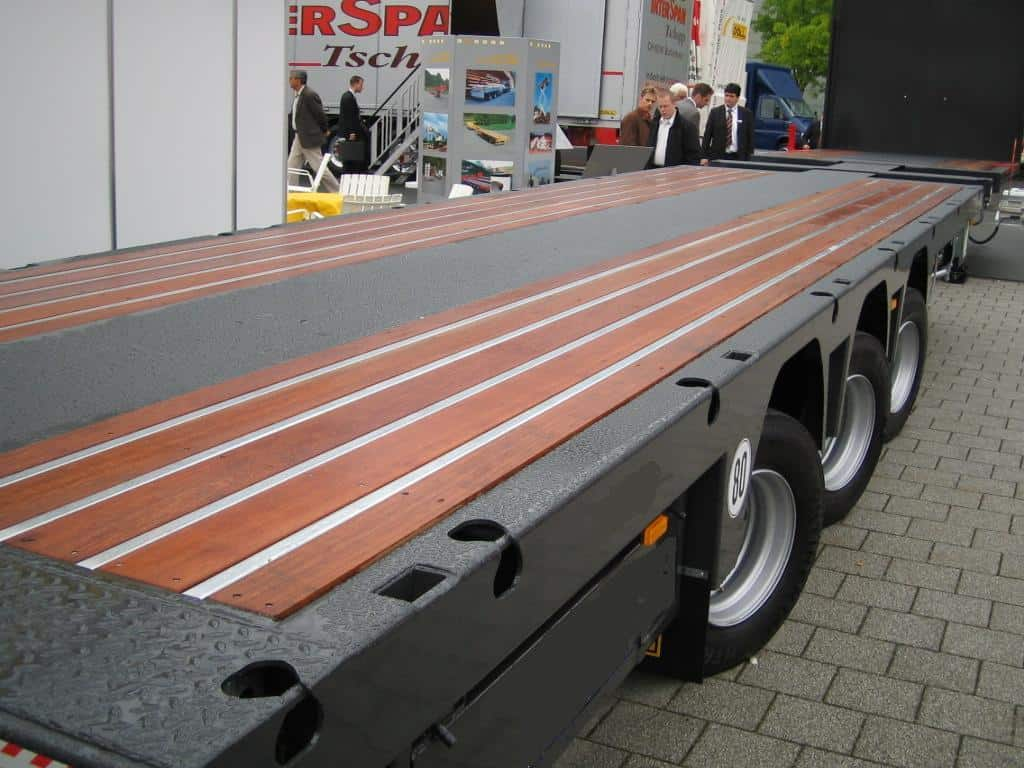 bauma_open trailer omeag vloer